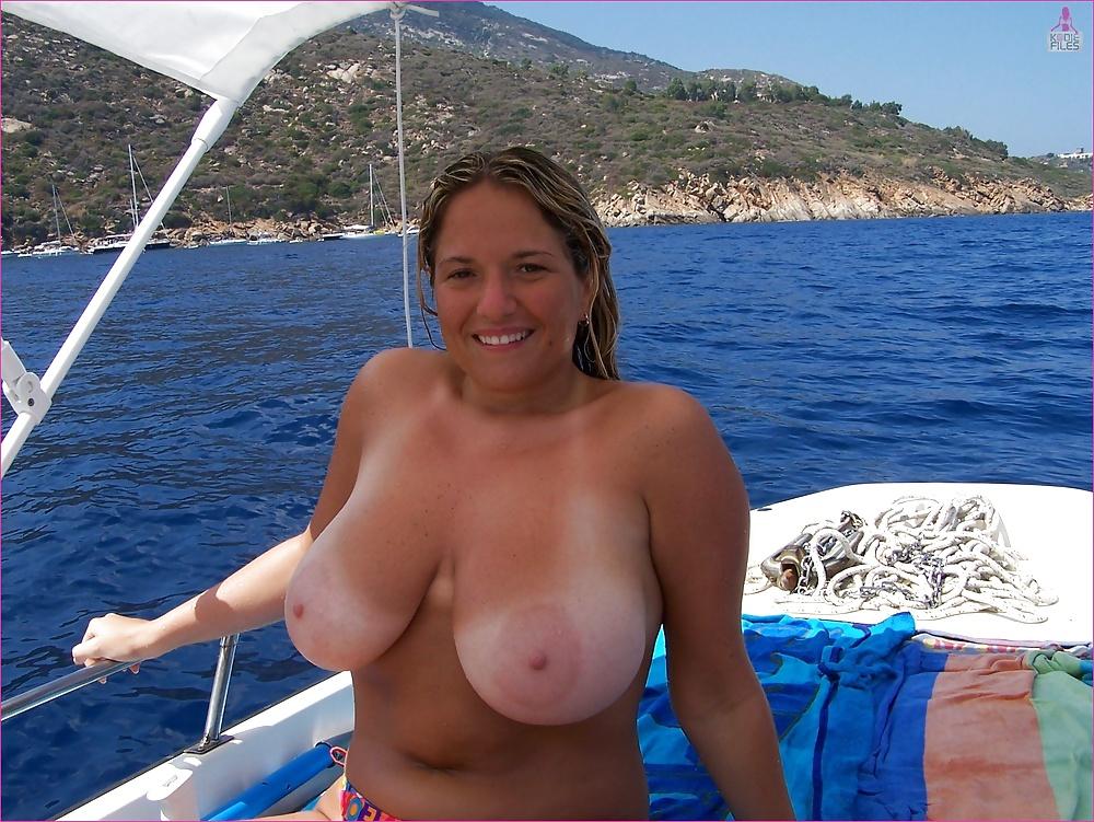 Gratis bilder, där vi ser stora bröst