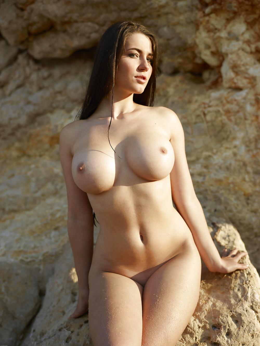 Stora bröst med 18-30 år gamla tikar